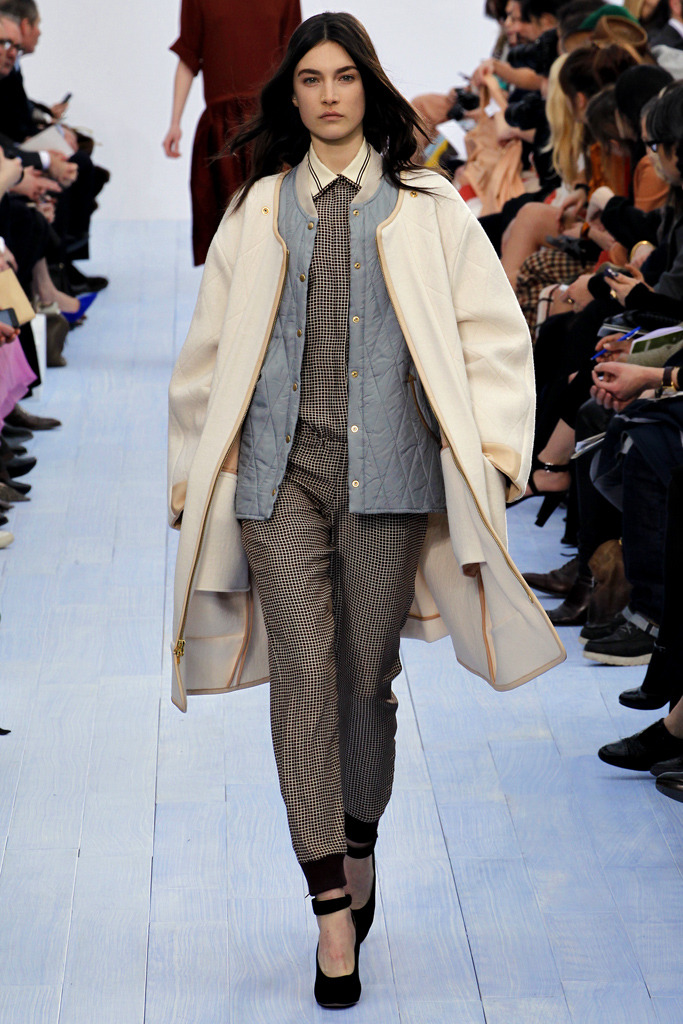 yourmothershouldknow:  Chloé Otoño/Invierno 2012 Semana de la Moda de París ….. Chloé Autumn/Winter 2012 Paris Fashion Week  dat quilted denim? oy vey