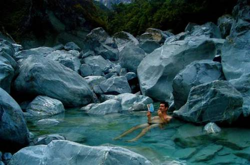Smythe Hut Hot Springs, Upper Wanganui River, New Zealand For a comprehensive guide to bathing in New Zealand's many thermal hot pools and hot springs, visit www.nzhotpools.co.nz [Source: miscellaneousworld]