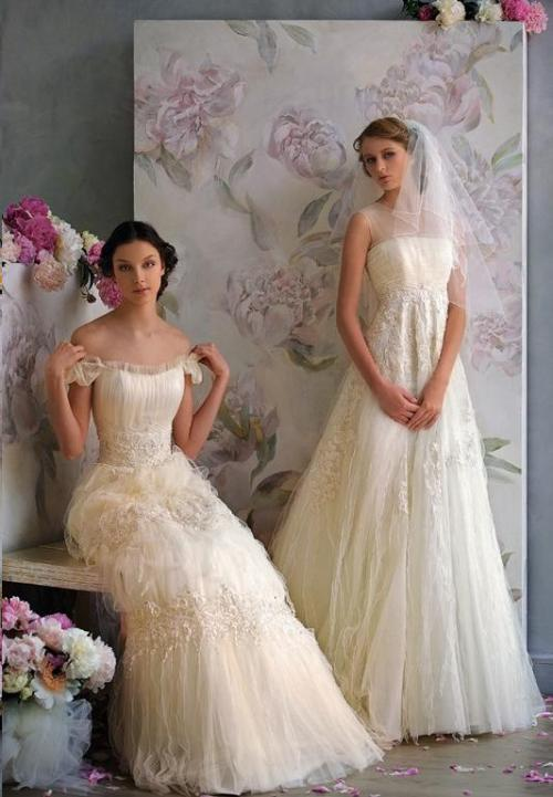 udreamy:  I like this shoot Romantic wedding dresses again.