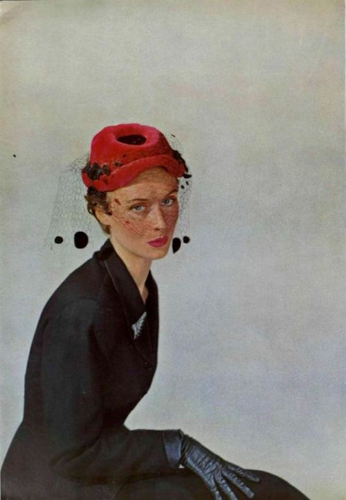 Maud Roser hat - 1950 L'Art Et la Mode No.2739