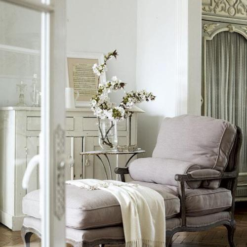 A beautiful shabby chic interior with a French flair (via Facebook)