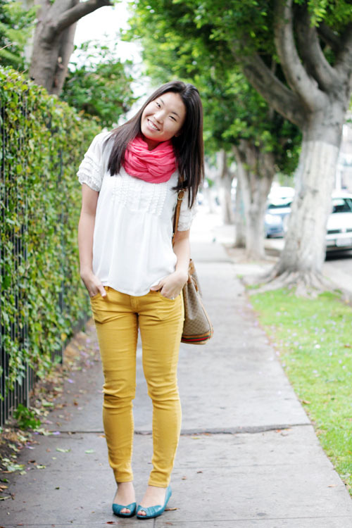 The perfect pairing for bright pants? An even brighter smile! Elaine of Clothed Much.