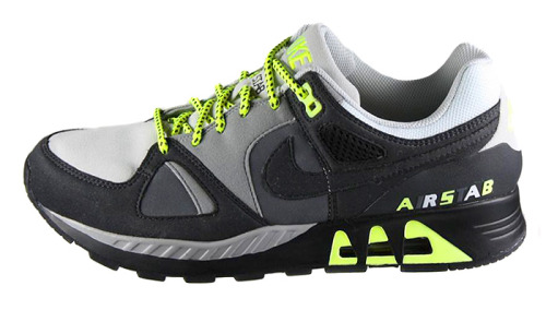 sneakermatic:  Nike. Air Stab. Size?. Dave White. Grey, Black, Neon.