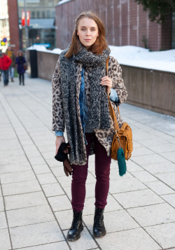 menarcheintheuk:  modcloth:  Street style via Hel-Looks.  This is not the way I do maroon and leopard but let me just say it's a thing I do and this way is pretty awesome.