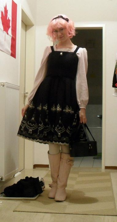 Emily Temple Cute:  * Dress; From daily_lolita, user: dandelion_cloud