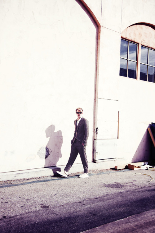 Chord Overstreet is wearing a Hickey Freeman suit styled by yours truly. :]  thedianablog:  I had Chord hang out next to a dumpster and random garbage and he was totally cool about it.  Because of that, I can say Chord is a cool cucumber.  Cheesy? Yes but it was totally awesome saying it. zooeymagazine:  This is @ChordOverstreet #Glee, he's very handsome. Watch his video now and read his feature online.  Photo by Diana King