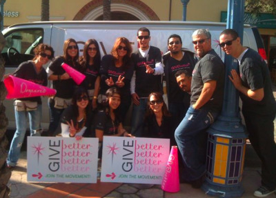 We launched our GIVEbetter van giveaway, where we hit the streets of Los Angeles armed with two free jewels for everyone who came out to see us. One to keep and one to give! Our goal was to inspire people to join the GIVEbetter movement and learn about how to GIVEheart, GIVEgreen, and GIVEback for holiday and beyond!