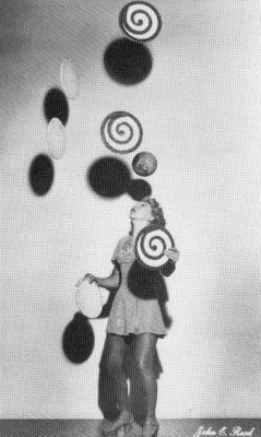 Trixie Firschke « The First Lady of Juggling »