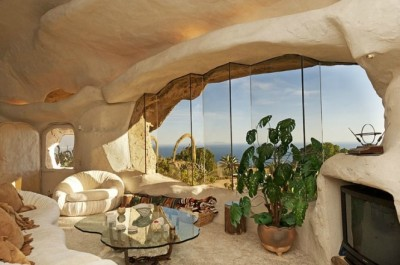 homedesigning:   Flintstones Style House In Malibu