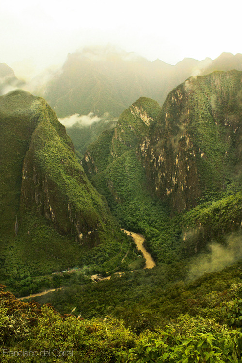 "pre10tious:  earth-song:  Machu Picchu"" by Francisco Del Corral  so pretty"