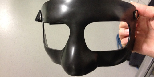 Kobe's black face mask for tonight's game. Welcome to the Dark Side, Mamba.  @Suga_Shane via Lakers.com