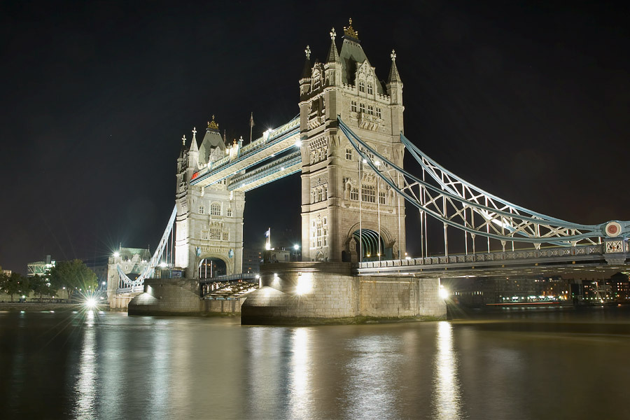 wannaliveinuk:  Tower Bridge HDR by ~Astroandre