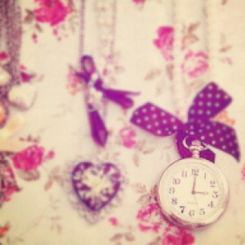 #necklace #adorable #accessories #clock #watch #fashion #style #weheartit  (Taken with instagram)
