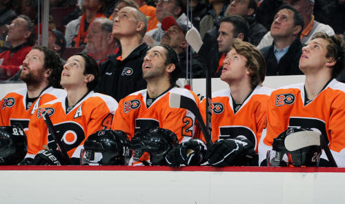 Hartnell, Briere, Talbot, Couturier & Schenn watch the Mark Howe banner ceremony