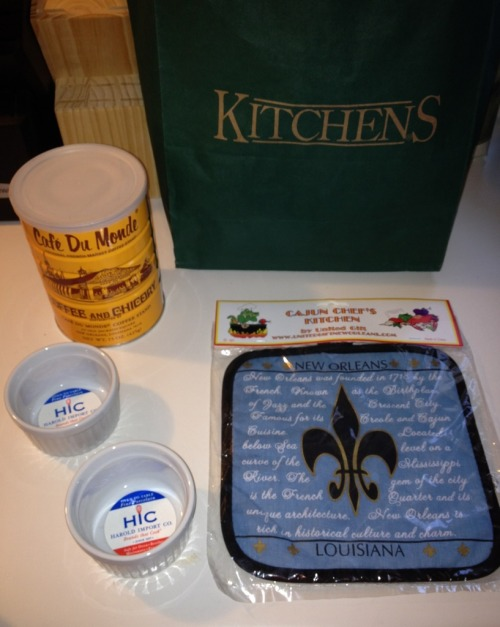 NoLa swag for my kitchen! •Cafe du Monde coffee •Louisiana history pot holder •Two 4oz. Porcelain soufflé dishes 😃🍴