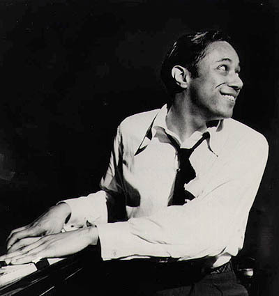 Q :: Last.fm Q :: Wikipedia  ホレス・シルヴァー(Horace Silver, 本名:Horace Ward Martin Tavares Silva, 1928年9月2日-)はコネチカット州ノーウォーク出身のジャズ・ピアニストで、ファンキー・ジャズの代表的なアーティスト。特色のあるファンキーなプレイスタイルで知られ、ハード・バップの発展に寄与する。 彼はゴスペル音楽やアフリカ音楽、ラテン音楽等幅広い音楽のスタイルに影響されている。  Q :: Wikipedia  Horace Silver (born September 2, 1928), born Horace Ward Martin Tavares Silva in Norwalk, Connecticut, is an American jazz pianist and composer. Silver is known for his distinctive humorous and funky playing style and for his pioneering compositional contributions to hard bop. He was influenced by a wide range of musical styles, notably gospel music, African music, and Latin American music and sometimes ventured into the soul jazz genre.