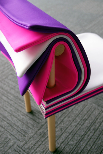 (Pages - Chair by 6474 » Yanko Designから)