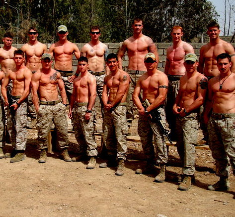 hicktownkindaboy:  uggghh this makes me wanna go into the army… ugghhh can i just have a stomach like this… pleaseee..