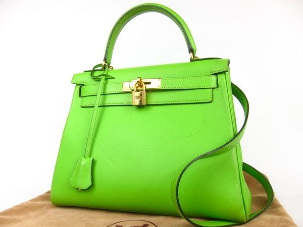 comebagtome:  VERY RARE: Hermes Kelly Bag in apple green! Stamp C/99, size 28, excellent condition! This is a very rare opportunity for Hermes lover, rare color! Price by request! Ps: BELOW IDR 60mio ;-) —- SOLD!!!