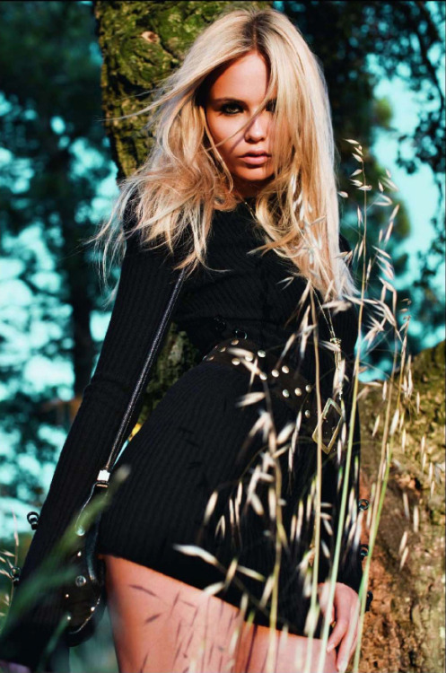 opaqueglitter:  natasha-poly vogue paris sept 2009