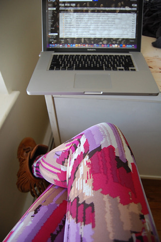 Answering emails. Rocking the Sweet Bubbly Leggings, which are now on SALE. Available in straight & plus sizes. (M is SOLD OUT)