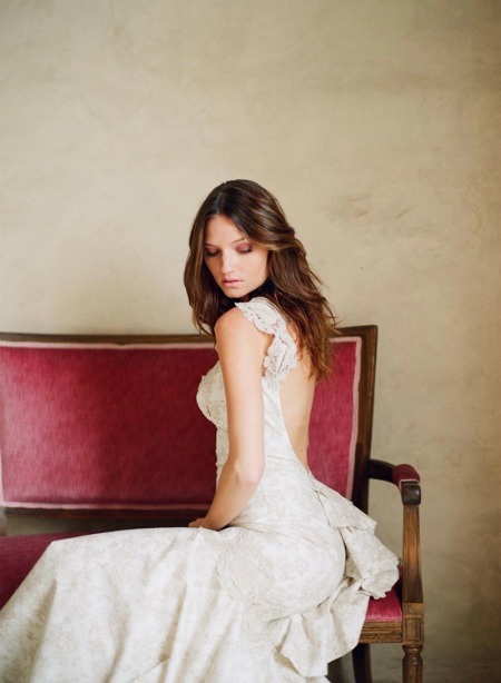 singlebride:  I. Love. The. Back. Of. This. Dress!
