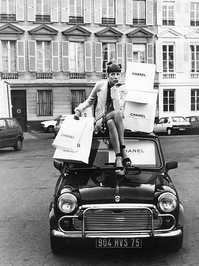 getbackintime:  Vintage Chanel. Vintage Car.