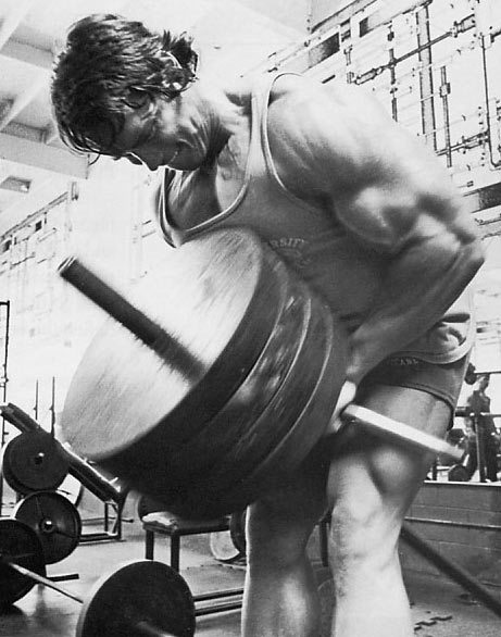bulkisbetter:  Arnold putting others to shame with his T-bar Row