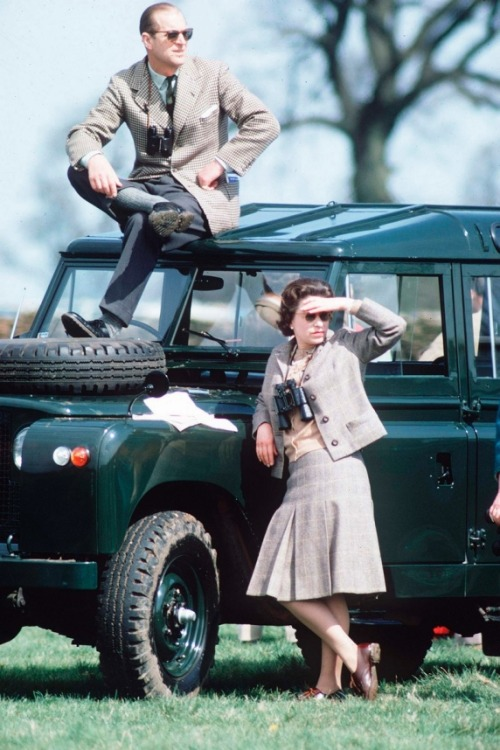 Queen Elizabeth and Prince Philip badass safariing in 1968, from our Queen Elizabeth II gallery in honor of her Diamond Jubilee. Awesome.  Also, our Royals Pinterest board!