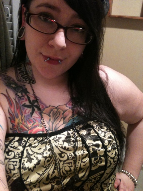 chubby-bunnies:  Submitted by StarFilledLungs First submission =] All you gorgeous ladies are an inspiration. Don't stop being you! I love being me and I wouldn't trade me in for anything else.  This was my new years eve dress. I didn't get a full length sadly.  Enjoy ! -Amber. usa size 20/22