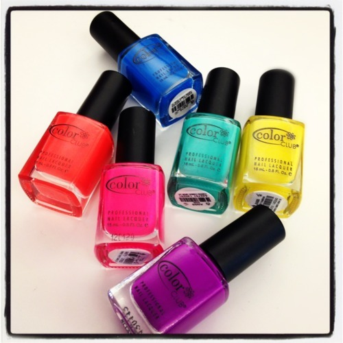 3 Different Ways To Wear Neon Nail Polish