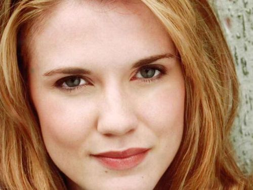 Sara Canning cast as lead in Primeval: New World filming in Vancouver Promo photo via @primevalnw
