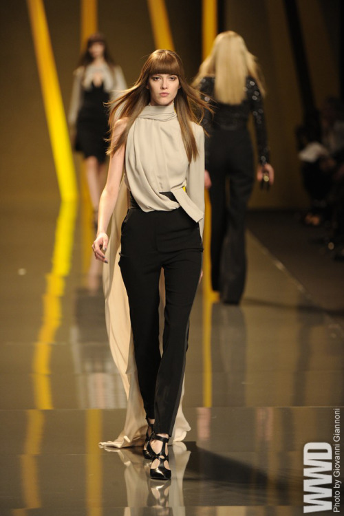 womensweardaily:  Elie Saab RTW Fall 2012