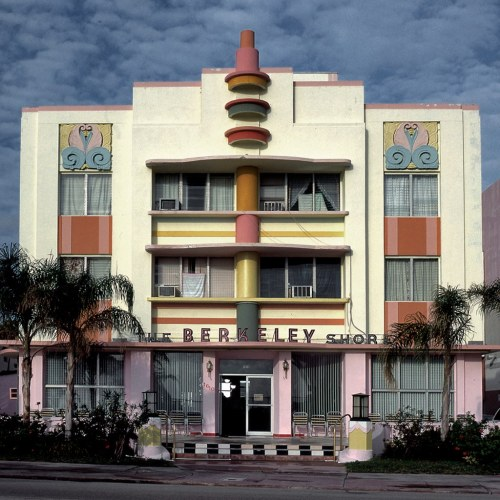 haylii:  THE BERKELEY SHORE HOTEL, MIAMI