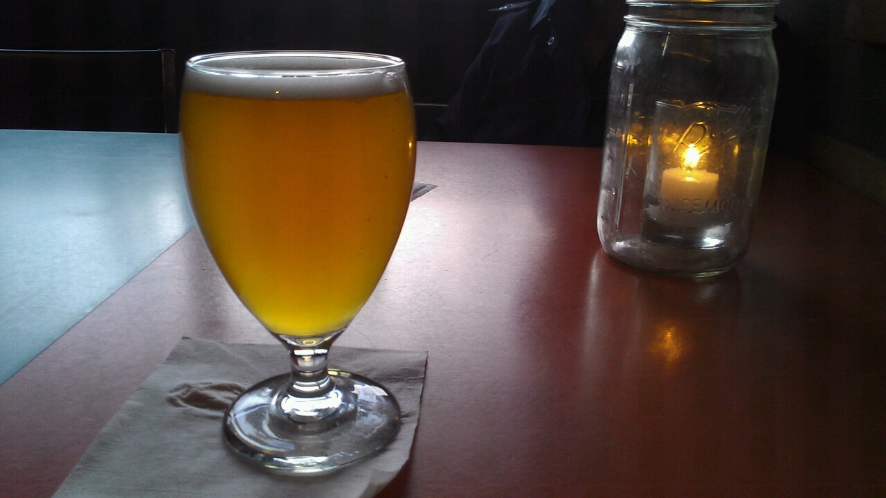 I'm at the Bye & Bye and this is Stillwater's Stateside Saison. The Belgian yeast smell comes with tart flavor with a peppery finish. Sort of hoppy for a saison, I think. Reminds me most recently of Orval.