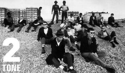 2-Tone label beach picnic