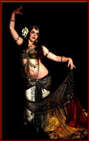 Now back to business. Here's a beautiful bellydancer, by the name of Mardi Love. <3