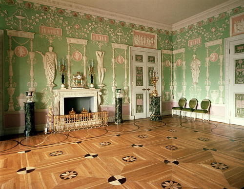 mesbeauxarts:  Charles Cameron (designer). Interior of the Green Dining Room, the Catherine Palace. 1780s. Russian neoclassical interior. The Catherine Palace. Tsarskoye Selo, Pushkin, Russia.