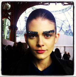 Forget About Nail Art–Chanel Is Making Eyebrow Art a Thing – Fashionista: Fashion Industry News, Designers, Runway Shows, Style Advice  シャネルのshowで気になってた眉毛の正体!!! ここまでクリスタルにこだわってたとは、、さすが