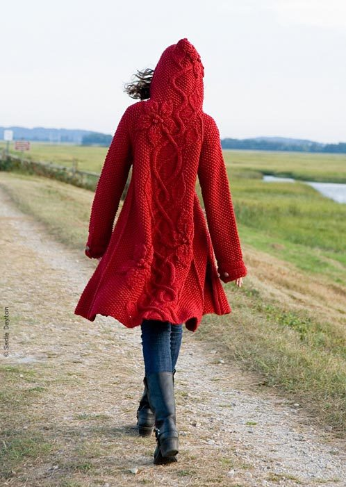 knittomania:  Isn't this coat amazing? Click on photo for the pattern.  I would love to knit this coat for Safu! Wait…. T^T