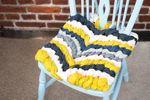 DIY: Chevron Chair Cushion check the how to, here :)