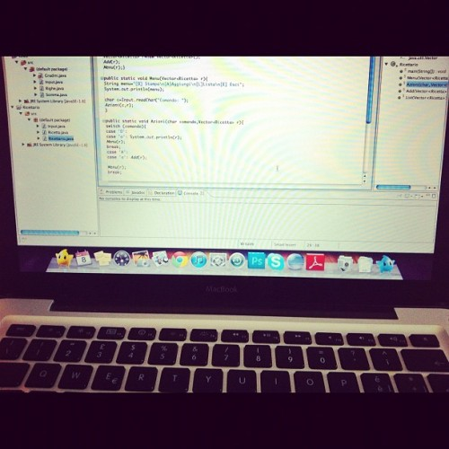 chiarren:  #programming #java #studying #mac #MacBook (Scattata con instagram)  INDENT YOUR CODE WHAT IS WRONG WITH YOU