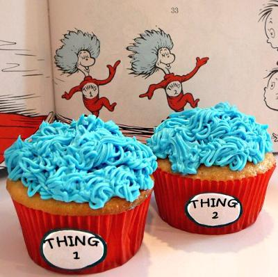 thecakebar:  Dr Seus: Thing One and Thing Two Cupcakes! (recipe/tutorial)
