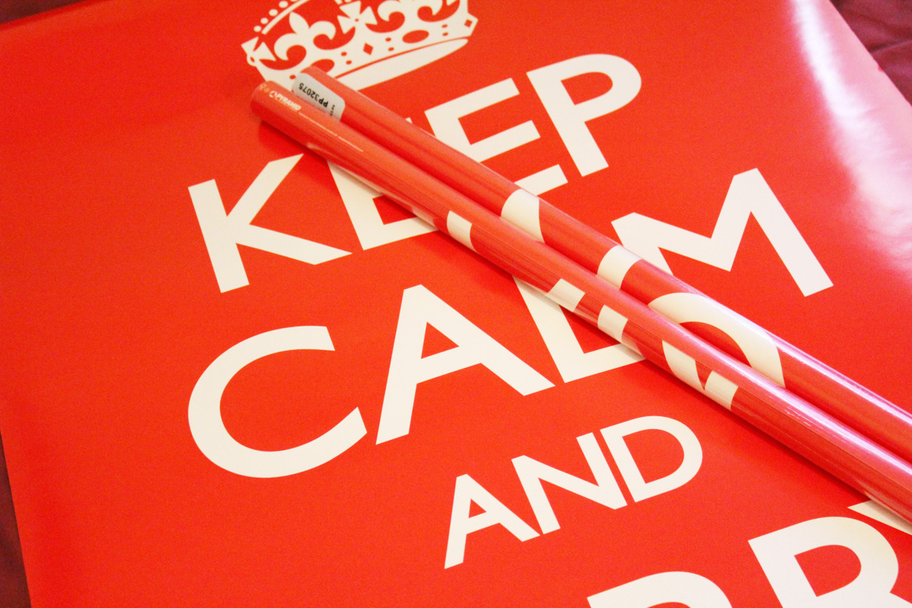 Keep calm and reblog typethatilike:  Type That I Like - Poster Giveaway I'm giving away the classic Keep Calm and Carry On poster to 2 lucky followers. (60cm x 91.5cm) Rules: 1 - Must be following Type That I Like. 2 - Must reblog this post. The 2 people will be selected at random from the notes of this post and will be contacted if chosen! The competition ends on Monday the 12th March at 9am. (GMT + 0:00) Good Luck! - Rob