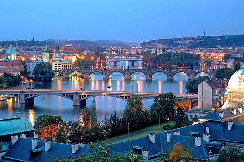 allthingseurope:  Prague Bridges (by upperclasslemon)  Oh Praha….