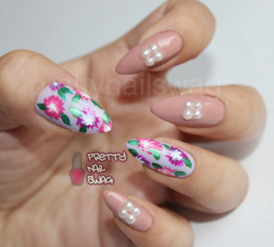 prettynailswag:  Just a quick spring mani…Essie - Nice is Nice & OPI - Dulce de Leche Don't forget to enter my Spring Nail Art Contest!! The deadline for submissions is March 20, click HERE for all details.  I've already received a few entries and they are looking SPRINGTIME FINE!! xo  So cute!