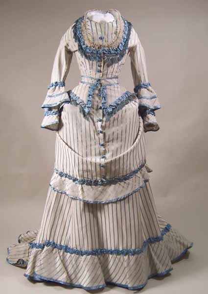 Dress 1871-1873 Manchester City Galleries