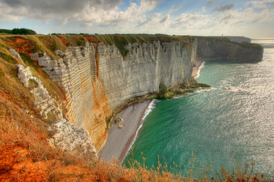 travelingcolors:  Etretat | France (by Vincent Joly)