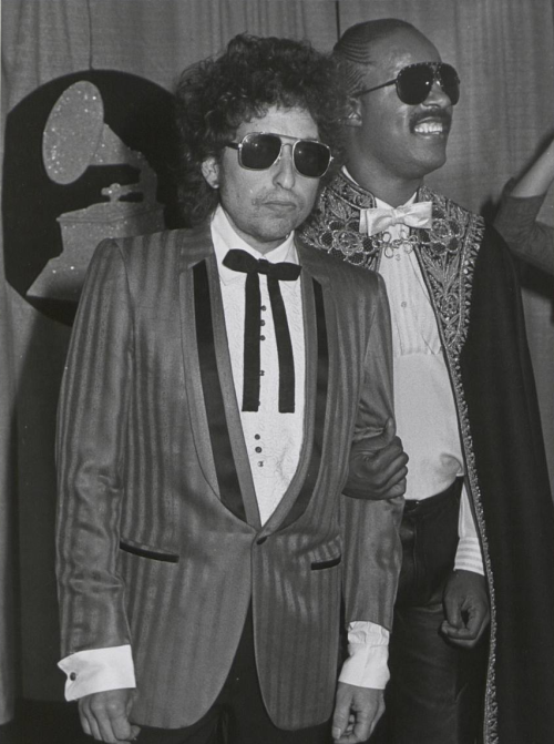 tornandfrayed:  Bob Dylan & Stevie Wonder.  Was this when they were in The League of Extraordinary Gentlemen together?