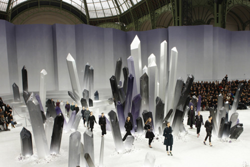 CHANEL W/F 2012 show was all based on crystals, from the set, to the jewelery to the garnments. It's a good thing I decided not to persue the Crystal landscape aesthetic.